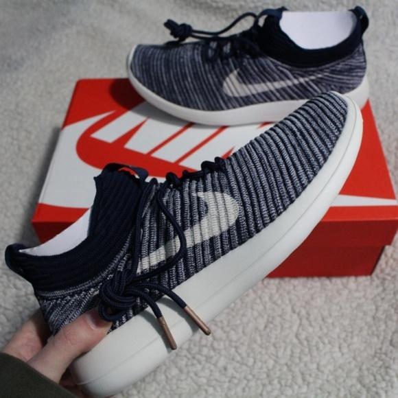 3417b42e7ac9 NEW Nike Roshe Two Flyknit V2 Sneakers Navy
